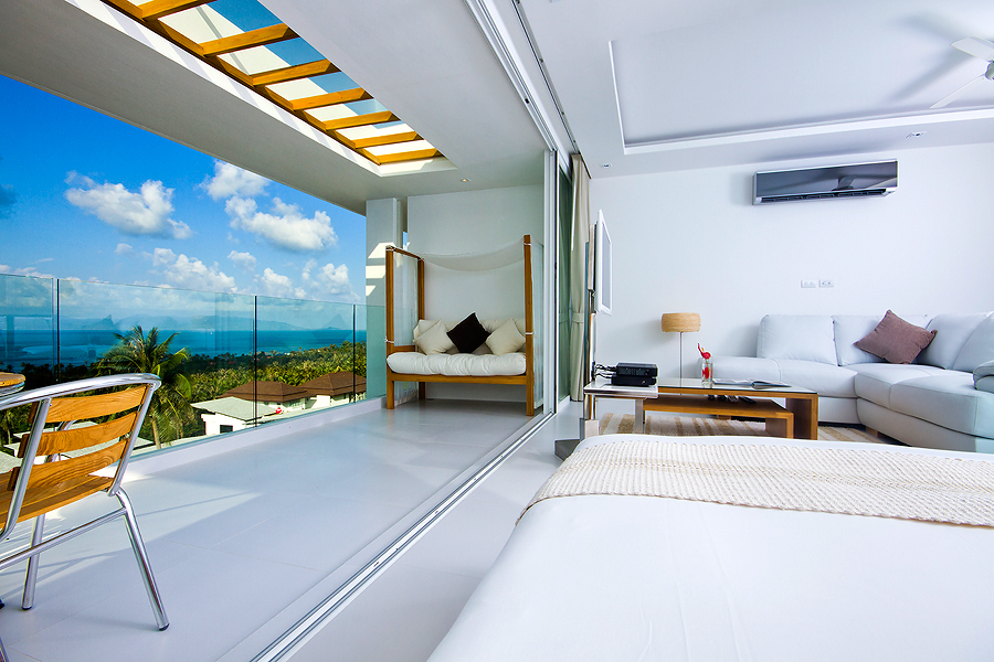 One bedroom ocean view penthouse suite